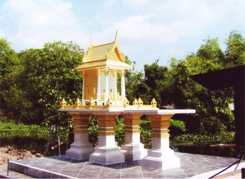 ทรงไทยหน้าตรง (พิเศษ) พร้อมโต๊ะบูชา หินขัด