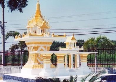 ศาลพระแก้ว (หินขัด) สีทอง พร้อมโต๊ะบูชา ทรงไทยเรือนขวาง