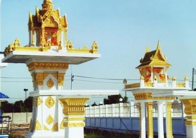ปราสาทเล็ก (หินขัด) สีทอง พร้อมโต๊ะบูชา ทรงไทยหน้าตรง